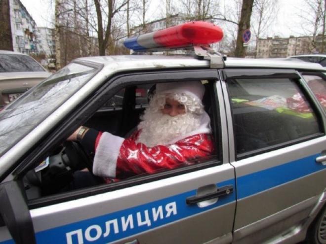 Дед Мороз вместе с инспекторами ГИБДД поздравит маленьких пациентов