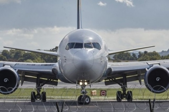 В самарском аэропорту из-за ребенка экстренно сел самолет