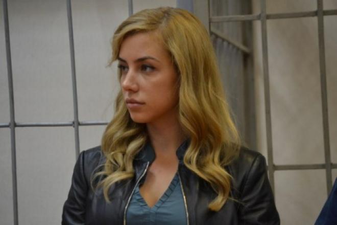 Перед судом предстанет жена замдиректора Самарского филиала «Россельхозбанка»