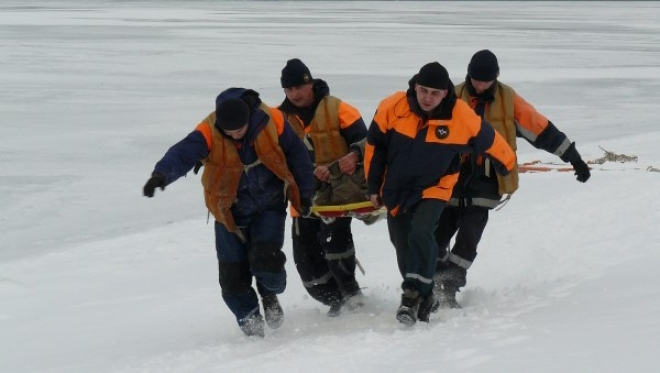 Спасатели отыскали рыбаков, потерявшихся под Тольятти