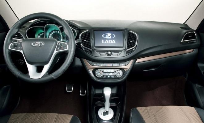 После встречи с Бу Андерссоном самарскому правительству переданы 5 автомобилей Lada Vesta