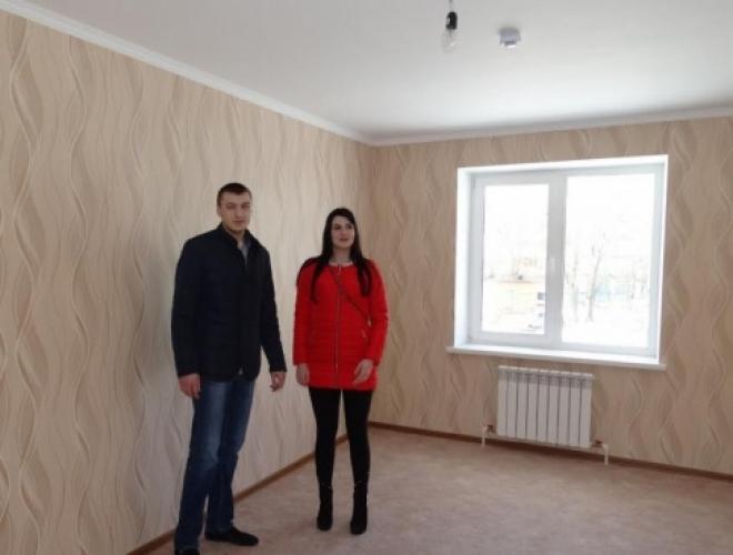 В Тольятти детям-сиротам вручили ключи от новых квартир