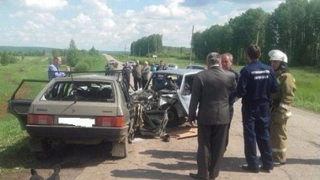 Сегодня утром в Челно-Вершинском районе произошло страшное ДТП