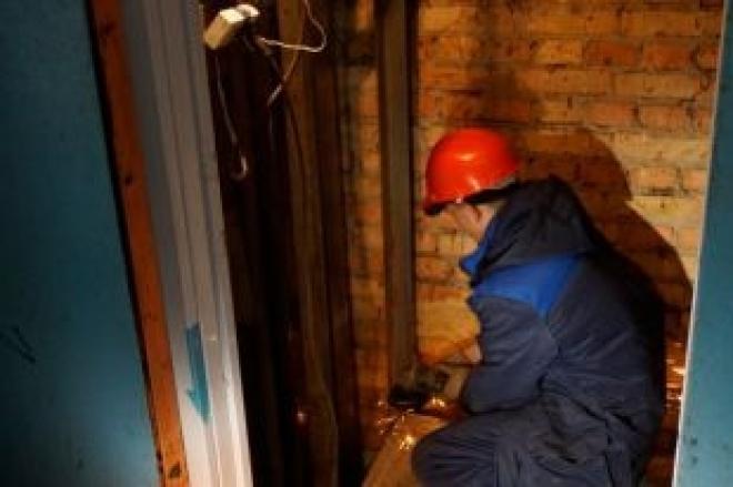 В Самарской области рабочие провалились в шахту лифта