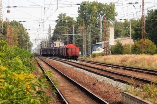 Жительница Самары попала под товарный поезд